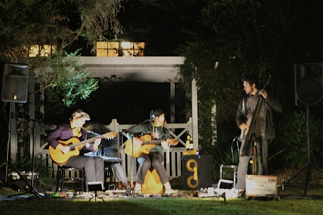 Felicity Lawless & Her fellow bandmates created the atmosphere with beautiful Gypsy bohemian tunes.