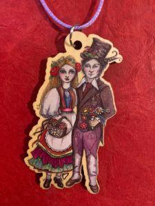 gypsy lovers wooden art pendant